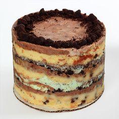 Momufuku Milk Bar Mint Cookies And Cream Cake Cookies And Cream Frosting, Mint Cookies, Cupcake Cookies, Cupcakes, Pie Dessert, Dessert Recipes, Desserts, Milk Bar Cake, Mint Cheesecake