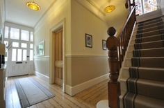 Incredible Edwardian themed hallway…colour scheme for hall, stairs and landing…. The post Edwardian themed hallway…colour scheme for hall, stairs and landing……. appeared first on Post Decor . Victorian Terrace Hallway, Edwardian Hallway, Edwardian House, Victorian Internal Doors, Pine Internal Doors, Hallway Colour Schemes, Hallway Colours, Hallway Decorating, Interior Decorating