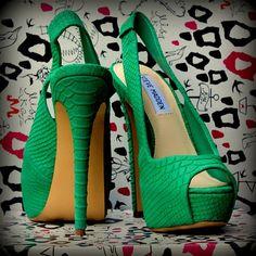 ♥Green peep toe heels♥
