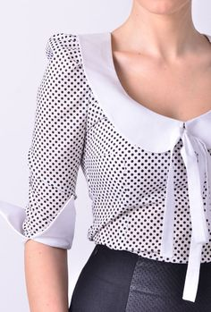 blouse/top with peter pan collar by swellrenditions o Kurti Sleeves Design, Kurti Neck Designs, Blouse Designs, Cute Blouses, Blouses For Women, Collar Kurti, Bow Shirts, Collar Top, White Collar
