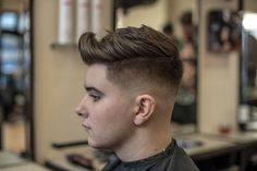 25 New Men's Hairstyles + Haircuts For Men Top Haircuts For Men, Latest Men Hairstyles, Popular Short Haircuts, Cool Hairstyles For Men, Cool Haircuts, Hairstyles Haircuts, Crazy Hairstyles, School Hairstyles, Summer Hairstyles