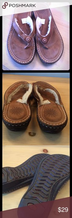 UGG LEATHER & SHEEPSKIN SANDALS UGG TAN LEATHER SANDALS WITH SHEEPSKIN ON TOP FOR COMFORT. NICE PADDED SOLES AND IN GOOD CONDITION. SIZE 6 ugg Shoes Sandals