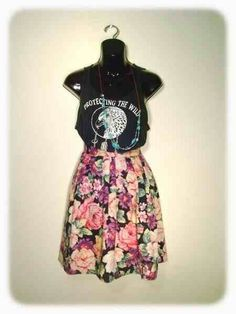 Soft Grunge Style. Love the flora skirt with the loose tank. This would look great with boots and sandals!