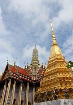 Grand Palace, Bangkok, Thailand - Inside #colorful Grand Palace in...