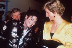 """""""Pessoas incríveis que andam juntas"""" – Michael Jackson e Princess Diana"""