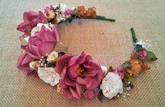 Diadema flores granate                                                                                                                                                                                 Más