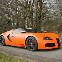 Bugatti Veyron Follow Our Friend @DutchBugs for more incredible photos of his 3 Bugatti Veyrons collection @DutchBugs Photo by @mitchwilschutt