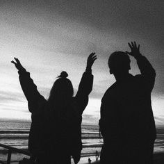 Cute Love Couple, Cute Couple Pictures, Relationship Goals Pictures, Cute Relationships, Dark Photography, Sunset Photography, Wow Photo, Boy And Girl Best Friends, Ulzzang Couple