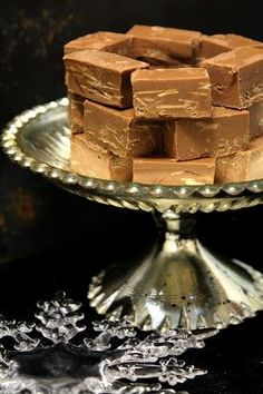 Kakkuviikarin vispailuja!: Kotitekoinen wienernougat Candy Recipes, Sweet Recipes, Dessert Recipes, No Bake Desserts, Vegan Desserts, Sweet Little Things, Chocolate Sweets, Food Picks, Yummy Cakes