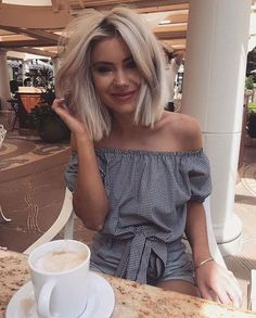 38 Blonde Bob Frisuren - Skull Tattoo - Garden Planting - Home DIY Cheap - Blonde Hair Styles - DIY Jewelry Vintage Blonde Bob Hairstyles, Cool Hairstyles, Blonde Lob Hair, Hair Bangs, Short Blonde, Summer Hairstyles, Curly Hair, Hair Day, New Hair