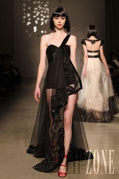 ジョルジュ・オベイカ [Georges Hobeika] - オートクチュール - 2010春夏 - http://www.flip-zone.jp.net/fashion/couture-1/fashion-houses/georges-hobeika-1590