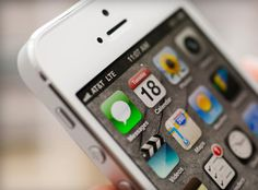 Researchers highlight potential security risk to iOS users | Apple - CNET News
