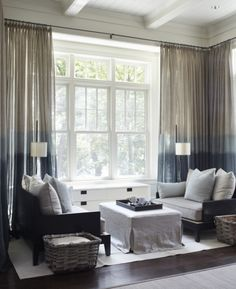 Elegant Drapierte Lichtdurchlässige Gardine Wohnzimmer Einrichten Gardinen  Rollos, Innendesign, Gardinen Wohnzimmer, Gardinen