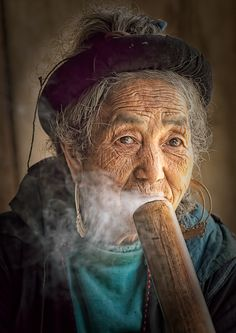 Portrait of a citizen of Sapa, Vietnam. Photo by Harley Rustin (V) We Are The World, People Around The World, Beautiful World, Beautiful People, Vietnam Voyage, Old Faces, Photo Competition, World Cultures, Interesting Faces