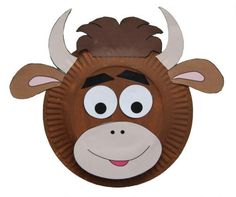 Paper Plate Cow Craft - could use for Year of the Ox, except I'd change the nose/mouth area to the shape of a lima bean or jelly bean so it doesn't look like a monkey with horns.