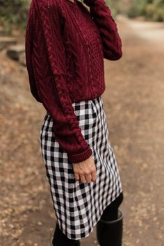 Schön und Beste Plaid Rock Outfits Schön und Beste Plaid Rock Outfits Learn how to make this buffalo plaid pencil skirt Rock Outfits, Church Outfits, Fall Outfits, Cute Outfits, Modest Winter Outfits, Office Outfits, Stylish Outfits, Beautiful Outfits, Summer Outfits