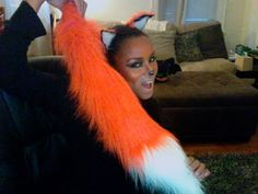 There comes a time in every girl's life when she has to make herself her very own fox tail. In this super simple tutorial, I make a cute arctic fox foxtail, . Diy Costumes, Halloween Costumes, Diy Fox Costume, Costume Ideas, Costume Makeup, Easy Halloween, Halloween Makeup, Halloween Projects, Diy Cat Ears