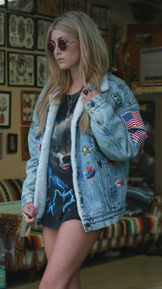 Replace the American flags (or at least 1 of them) with the UK one and this oversized jean jacket would be perfect!