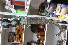 La photo par Jarodxxx Shoe Rack, Photos, Home, Pictures, Shoe Racks, Ad Home, Homes, Haus, Houses