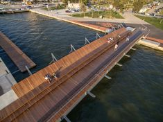 wooden-waterfront-deck.bridge-14 « Landscape Architecture Works | Landezine