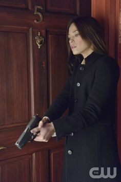 """Beauty and the Beast -- """"Trust No One"""" -- Pictured: Kristin Kreuk as Catherine -- Image Number: BB112b_0008.jpg -- Photo: Ben Mark Holzberg/The CW -- © 2013 The CW Network, LLC. All rights reserved."""