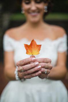 #fallwedding ideas - photo by Izzy Hudgins - http://ruffledblog.com/glitzy-bohemian-ny-wedding/