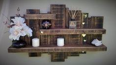 Com restos de madeira, interessante para colocar abaixo da janela do banheiro. Ou na parede da mesa da copa.