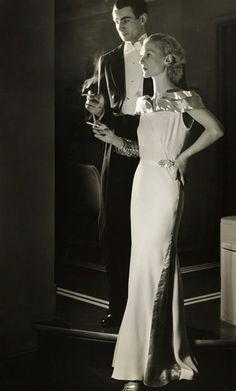 Photo for a 1930s cigarette advert by Alfredo Valente