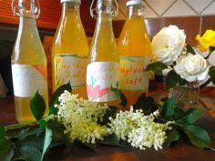 Moment to Moment: Homemade Elderflower syrup/ Hjemmelavet Hyldeblomst  - great with sparkling water !