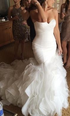 Pronovias Mildred 4: buy this dress for a fraction of the salon price on PreOwnedWeddingDresses.com