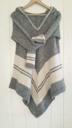 **No Pattern** - Just thought it was cool / Poncho-sweater. Design: Annelise Bjerkely Facebook: strikkesida til annelise Oppskrift til salgs.