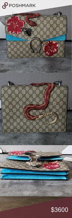 16bbaf68eb2d 7 invitanti immagini di Gucci Boutique | Gucci accessories, Classic ...
