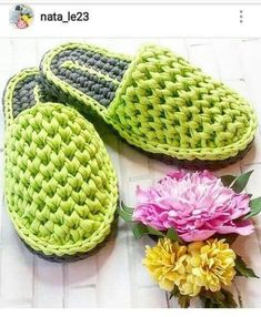 61 Ideas Crochet Shoes Pattern Tutorials Yarns For 2019 - top crop , polos cortos , dresses , summer crochet - Crochet Sandals, Crochet Boots, Diy Crochet, Crochet Clothes, Crochet Baby Hats, Crochet Slipper Pattern, Crochet Patterns, Crochet Flip Flops, Shoe Pattern