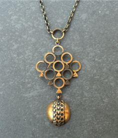 Pentti Sarpaneva, vintage modernist bronze pendant, 1970's. #Finland Metal Jewelry, Jewelry Art, Silver Jewelry, Vintage Jewelry, Fine Jewelry, Jewelry Design, Designer Jewelry, Bronze Pendant, Modernism