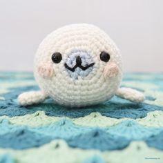 Amigurumi Mamegoma Seal - FREE Crochet Pattern / Tutorial by litevirkning.se