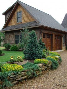 Можжевельник на плщадке перед домом - отличный вариант