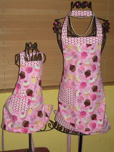 Mother/daughter aprons