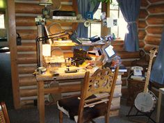 fly tying bench and banjo