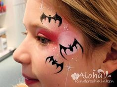 Face painting motifs for your kids party! is part of Face painting Witch - [ad Face painting motifs for your kids party! Halloween Face Paint Designs, Face Painting Designs, Body Painting, Halloween Shirts Kids, Halloween Costumes For Girls, Halloween Make Up, Witch Face Paint, Vampire Kids, The Face