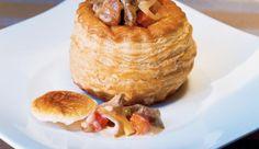 Probiere auch du unsere Blätterteig-Pasteten gefüllt mit Filet und Pilzen – Verzaubere Familie und Freunde mit dieser Köstlichkeit.