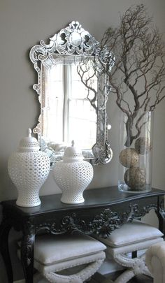 Venitian mirror and Console table - Interiors Mattern