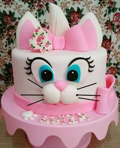 Want to bake an Easter Cake? Bake a cute & traditional Bunny Cake this Easter. Make your Easter brunch special with these festive Easter Bunny Cake Recipes. Deco Cupcake, Cupcake Cakes, Easter Bunny Cake, Rabbit Cake, Animal Cakes, Disney Cakes, Just Cakes, Cake Decorating Techniques, Birthday Cake Girls