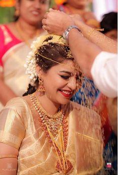 Actress Swathi Reddy & Her Super Cute Telugu Wedding South Indian Wedding Saree, South Indian Weddings, Hindu Weddings, Telugu Wedding, Saree Wedding, Telugu Brides, Wedding Bride, South Indian Wedding Hairstyles, Wedding Saree Collection