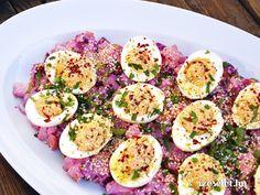 Zöldségsaláta szezámmagos, joghurtos öntettel Avocado Egg, Eggs, Breakfast, Food, France, Morning Coffee, Essen, Egg, Meals