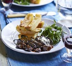 Stout-braised steak with stacked chips