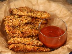 Degetele+de+pui+la+cuptor Chicken Wings, Carne, Food And Drink, Meat, Cooking, Recipes, Gluten, Dukan Diet, Pork