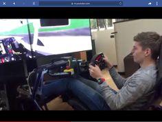Max thuis in zijn simulator