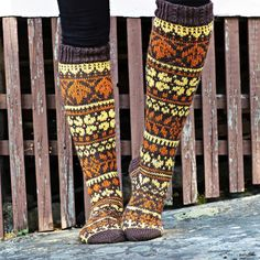 Fair Isle Knitting, Knitting Socks, Knit Socks, Leg Warmers, Handicraft, Mittens, Lana, Knitting Patterns, Knitting Ideas