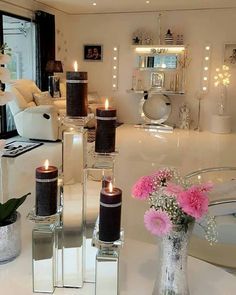 healthy living tips wellness programs for women Living Room Goals, Home Living Room, Living Room Decor, Beautiful Interior Design, Home Interior Design, Shabby Chic Colors, Glamour Decor, Parisian Decor, Beauty Room