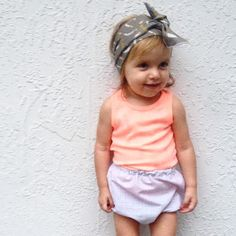 Abstract grey&white bloomers--crafted bows. Baby fashion. Toddler style. Baby clothing. Children's fAshion. Kids style.